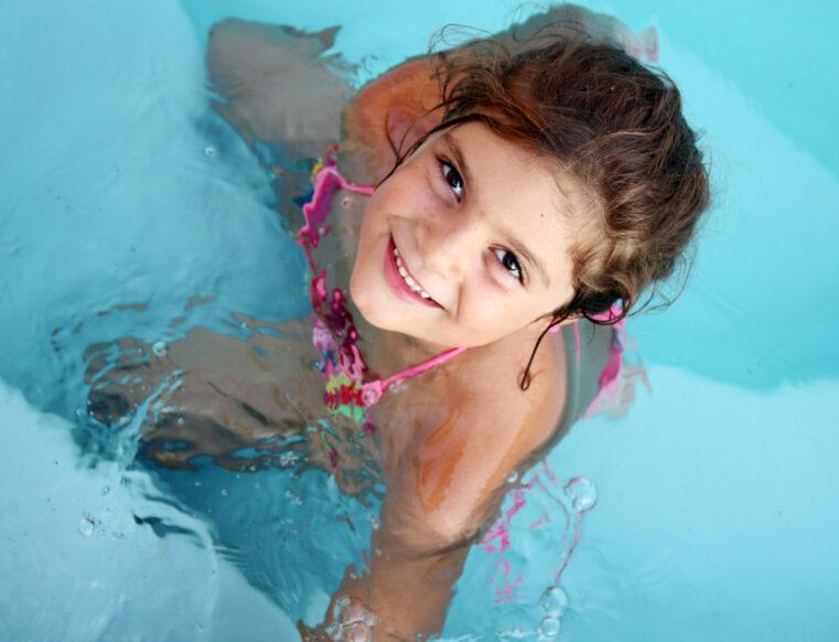 Blijft de chloorwaarde van je zwembad te laag? Dit is wat je kan doen!